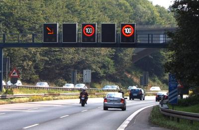 Autobahn electronic signs