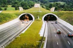 Autobahn tunnel